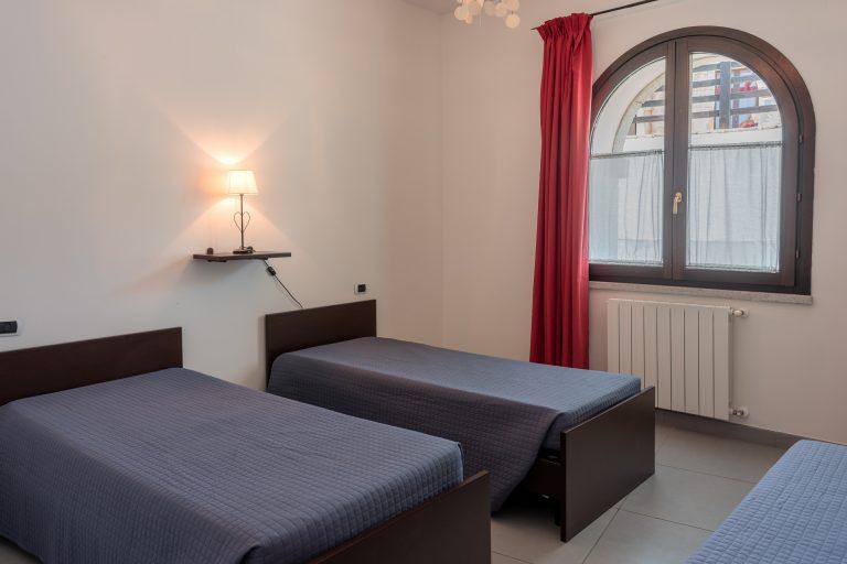 R3C2 bedroom B 1